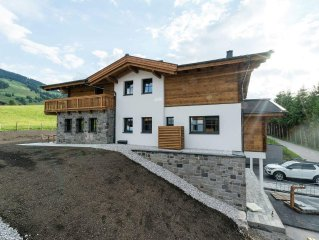 Luxurious Chalet at the edge of Leogang (skiing region Saalbach-Hinterglemm) wi