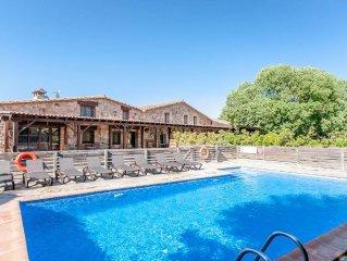 Charming 12 Bedroom Villa, Air-Con, 2 Large Pools, South Costa Brava - Barcelona