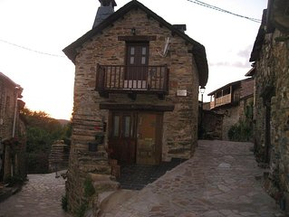 Beautiful Townhouse in STA. CRUZ DE LOS CUERRAGOS. To enjoy nature