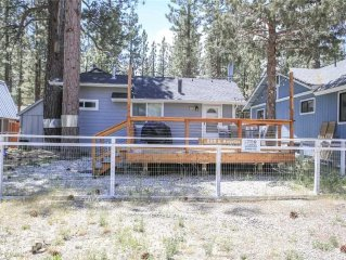 All Decked Out - Two bedroom with Wifi and back yard for lounging!