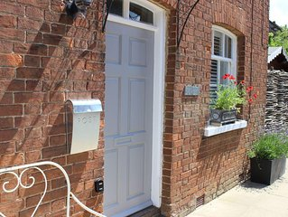 Delightful period cottage within 2 miles of North Norfolk blueflag sandy beaches