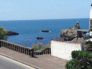 T3 avec terrasse, vue mer , hyper centre biarritz, port vieux, 20m de la plage.