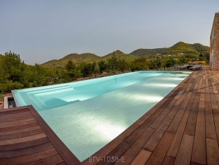 Ibicencan Villa nearby beach in the Ibiza countryside