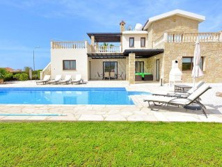 Luxury Villa With Private Pool And Sea Views - Car Hire Not Necessary