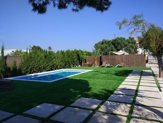 HOUSE WITH 4 BEDROOMS BBQ&GARDEN SWIMMING POOL NEAR THE BEACH