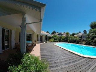 Villa ,piscine (10x4) ,  jardin paysage, quartier residentiel calme