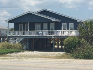 FUN BEACH GETAWAY!  Beach Access Across the Street / Fully Equipped Kitchen