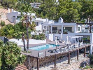 CASA 56 CAN FURNET met magnifiek uitzicht op zee & Ibiza stad, sfeervol-familiar