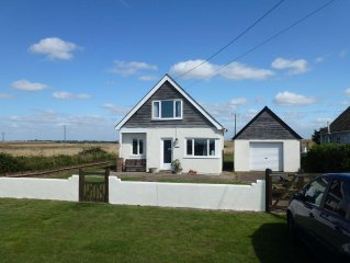 By the sea and surrounded by fields, ideal for those who want to escape reality