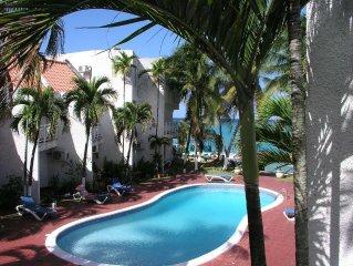 Idyllic Beachfront Condo, Pool, My Chrisanns Escape,  WiFi, Cable