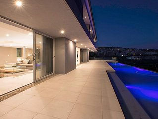 Five * 4-bedroom house on SA's best golf course. Best views on the estate.