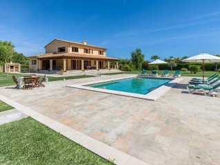 Villa for 2 to 8 People, Private Pool, BBQ, Wifi, Air Conditioning