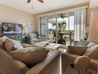 Stunning 2 Bedroom 2.5 Bath Townhome in Marina Community