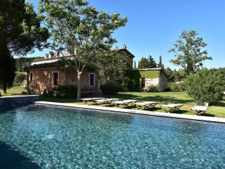 Secluded luxury villa with stunning view on Val d'Orcia, Pienza and Montalcino