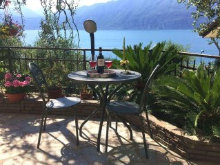 property 100 m. from the centre of town and the Garda lake.