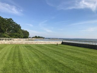 Beautiful Waterfront Home With Fabulous Views In Rye NY, Convenient To NYC.