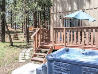 Rincon Cabin - Close to the lake with a huge fenced in yard!