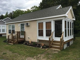 2 Bedroom Cottage w/ Pools/Hot Tub, Tennis Court, Gym near Beaches & Restaurants