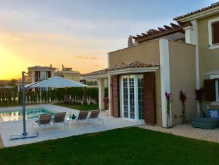 Wunderschöne neue Villa für 6+1 Personen, Strandnähe, Klimaanlage, Privatpool