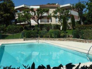 Appartement Saint-Raphael Valescure, vue imprenable pins et golf, proche mer