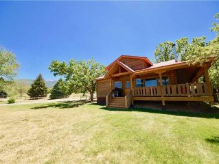 Pack Creek ~ Orchard House: 3 BR / 2 BA cabin in Moab, Sleeps 8