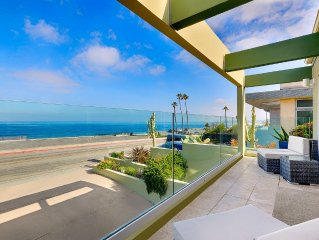 """CALIFORNIA DREAMING""... Ocean-Front, Steps to Sand & Surf!!! Beach Retreat"