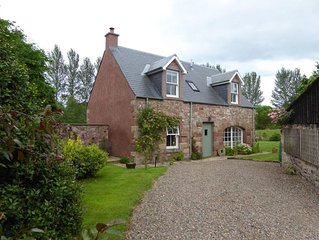 OLD MILL COTTAGE - Cosy Cottage in an Idyllic Spot Just 5 Miles from Kelso