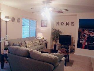 10 min to Strip:Comfy, Cozy, Clean 3bd/ 2.5ba House