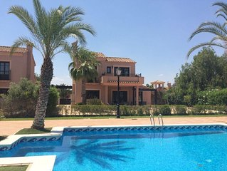 Luxury 3 Bedroomed Detached Villa with Shared Pool, Wifi & Air Conditioning