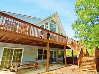 """""""Sycamore"""" 3700 Square Foot Lodge, Private Street, Pool Table, Poker Table"""