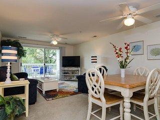 Beautiful condo located next to indoor recreation center and tennis courts