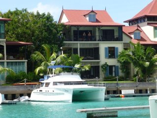 Eden Island  Penthouse incl Electric Car, Wify, Sat TV & next to Pool