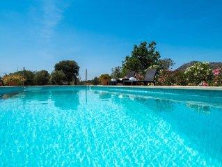 villa rustica con encanto, piscina y wifi.Ideal ciclistas.Oferta especial
