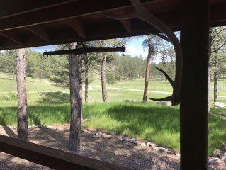 Phantom Poet Lodge-40+ Acres Southern Hills Hideaway Near Jewel Cave and Custer