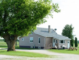 Country Charm- North Of Sturgeon Bay On Hwy 42