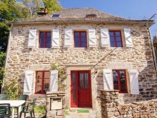 Renovated house with a great view located in a former wine area