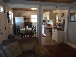 SweetChick Farmhouse, country feel with close city amenities.