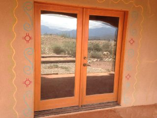 Beautiful  Abode Home!, Near Sky Valley And Taos