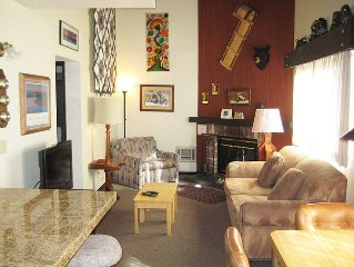 Studio+Loft with Full Kitchen, On Shuttle Route, Flat Screen TV, View of Pool (