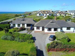 Bungalow with sea views, annex, games room and on Widemouth Beach