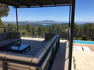 Mas Provencal with great panoramic sea view, top recreation area, 2 heated Spas