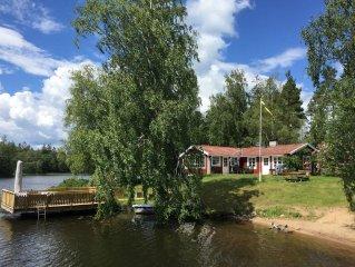 Ferienhaus mit Panoramablick inkl. Boot direkt am See Hyllen bei Tingsryd