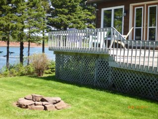 Waterfront spacious cottage in quiet treed lot located close to Cavendish