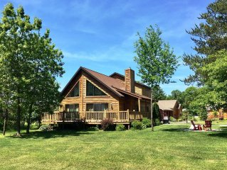 Red Oak Lodge * Spring Brook Resort-Two Story Chalet, Ideal Family Getaway Home