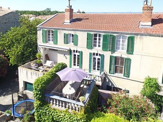 5 Bed Character House with Hot Tub in tourist village 1km from Canal du Midi
