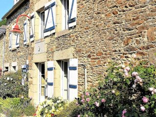 Maison en pierre de charme vue Rance
