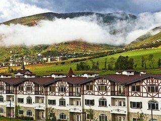 Villas at Zermatt Resort - Condo # 2034 2 Bedroom 2 Bathroom Kitchen Resort Liv