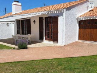 House for 6-8 people, verdant scenery, 200 m from the sea. Garden. Quiet.
