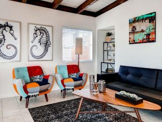 Remodeled & Trendy Manhattan Beach Townhome w/New Furnishings, Wifi & Ocean View