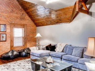 Spectacular 2BR Columbus Carriage House w/Wifi & Completely Renovated Kitchen -